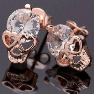 ❤❤❤Rhinestone Skull Stud Earrings